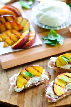Grilled Nectarine, Burrata, and Prosciutto Crostini Fruit Appetizers, Healthy Appetizers, Grilled Fruit, Grilled Peaches, Healthy Side Dishes, Side Dish Recipes, Game Day Food, Fun Food, Flowers