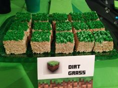 Use Cocoa Krispies--Minecraft birthday party food/snack idea. ---edited so it goes to correct link with TONS of Minecraft party stuff--- Minecraft Party Food, Minecraft Birthday Party, 6th Birthday Parties, 8th Birthday, Minecraft Cake, Minion Birthday, Mine Craft Birthday, Minecraft Recipes, Xbox Party
