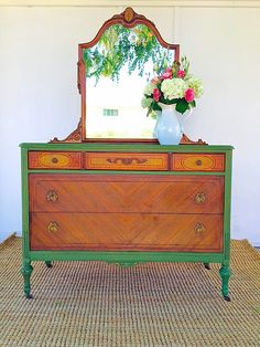 D.D.'s Cottage and Design: Vibrant Green Milk Paint Dresser.      BEAUTIFUL BEFORE AND AFTER.