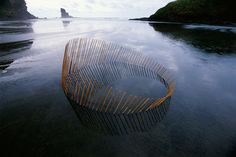 Land art by Martin Hill. Environmental sculptures installed all around the world that represent a visual circle of life. Geometric Sculpture, Art Sculpture, Sculptures, Land Art, Bühnen Design, Grid Design, Environmental Sculpture, Art Environnemental, Art Et Nature