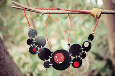 Collar de círculos / Evita Pulgarcita - Artesanio
