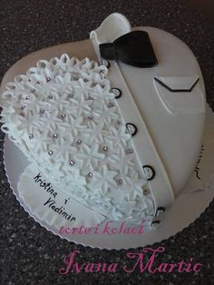 Cake for two Anniversary Cake Designs, Wedding Anniversary Cakes, Wedding Sheet Cakes, Elegant Wedding Cakes, Heart Shaped Cakes, Torte Cake, Cake Pictures, Cake Decorating Tips, Fancy Cakes