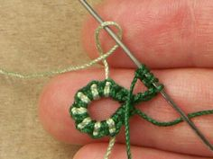 You will need two cording of the same thickness and contrasting colors. One color will be the base. Will be used to start, stop and pull...