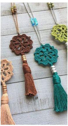 Crochet Diy, Crochet Crafts, Yarn Crafts, Crochet Projects, Decor Crafts, Diy Projects, Diy Crafts, Crochet Jewelry Patterns, Crochet Accessories