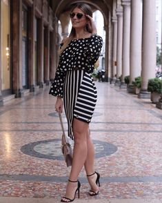 Long Skirt Ideas to Look Stylish Look Fashion, Fashion Outfits, Womens Fashion, Fashion Design, Fashion Black, Skirt Outfits, Dress Skirt, Color Combinations For Clothes, Celebrity Outfits