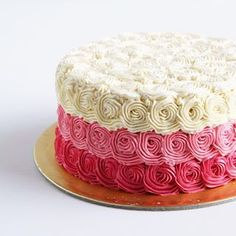 Rosette 💗 .  .  .  .  .  .    #buttercream #rosette #buttercreamcake #cakestagram #instacake #lilbitesid #ciakholiao #foodphotography #food52 #f52grams #birthdaycake #foodgawker #buzzfeast #eeeeeats #eatandtreats #sgbakes #goodeats #homebaked #huffposttaste #hidupuntukmakan #makanmana #nomnom #vscocam #bonappetit #wiltoncakes #yahoofood #onthetable