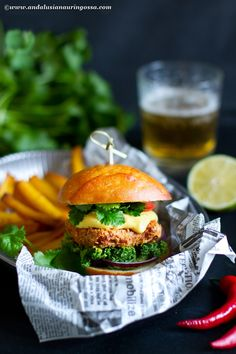 This vegetarian burger with Caribbean twist is going to be the best veggie burger you've ever had Baby Puree Recipes, Veggie Recipes, Baby Food Recipes, Wine Recipes, Vegetarian Recipes, Best Veggie Burger, New Years Dinner, Burger Buns, Food Words