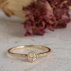 Frisson Ring from Mederu Jewerly    Simply and morden style