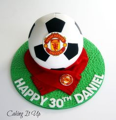 This would be fab in whatever team colours -Manchester United Soccer Ball Cake… Football Themed Cakes, Sports Themed Cakes, Football Cake Design, Soccer Birthday Cakes, 10th Birthday, Baby Birthday, Manchester United Birthday Cake, Soccer Ball Cake, Soccer Party