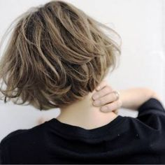 Image discovered by あさみ. Find images and videos on We Heart It - the app to get lost in what you love. Hair Lights, Light Hair, Short Hairstyles For Women, Cool Hairstyles, Trendy Haircuts, Medium Hair Styles, Long Hair Styles, Shot Hair Styles, Hair Arrange