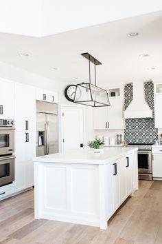 floors, handles, shaker cabinets