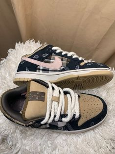Dr Shoes, Swag Shoes, Hype Shoes, Me Too Shoes, Jordan Shoes Girls, Girls Shoes, Sneakers Fashion, Fashion Shoes, Mein Style