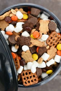 Perfect Peanut Butter S'mores Snack Mix - Perfect Peanut Butter S'mores Snack Mix – Fun-Squared Informations About Perfect Peanut Butter S - Fall Snacks, Lunch Snacks, Snacks Kids, Yummy Snacks, Yummy Food, Kids Snack Mix, Trail Mix Kids, Snack Ideas For Kids, Fall Snack Mixes