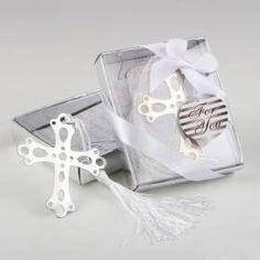 #bomboniere #bomboniera #bombonierecomunione #bombonieracomunione Shabby Chic, Beauty, Wedding Gifts, Holiday Ornaments, Crates, Dots, First Holy Communion, Book, Beauty Illustration