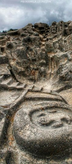 Detail on the Sayhuite stone - The Sayhuite Stone is a massive stone that features around 200 Geometric and zoomorphic figures carved on its surface. Its exact purpose remains a mystery and experts are not sure who created it. Located at the Sayhuite archaeological site in Peru—around 3 hours away from the city of Cusco—we find one of the most mysterious boulders in Peru. The stone is about two meters long and four meters wide