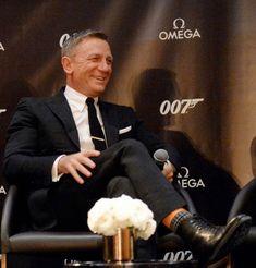 "James Bond on Instagram: ""#DanielCraig at the @Omega event.  #NoTimeToDie #JamesBond #007"" Daniel Graig, New James Bond, Skyfall, Mens Fashion Suits, Omega, Movie Tv, Handsome, Sexy, Instagram"
