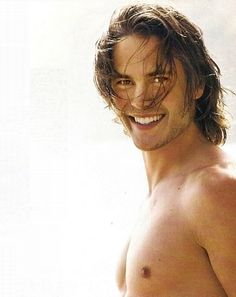 Taylor Kitsch Beautiful Beautiful smile ;) [Hallwill]