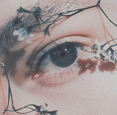 Aesthetic Eyes, Flower Aesthetic, Aesthetic Images, Aesthetic Makeup, Angel Aesthetic, White Aesthetic, Aesthetic Photo, Aesthetic Girl, Pretty Eyes