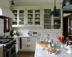 Thing Grey grout lines!!  White Subway Tile With Grey Grout Design, Pictures, Remodel, Decor and Ideas - page 2