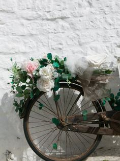 .Roses on a bicycle