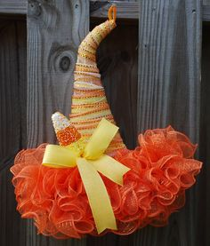 Your place to buy and sell all things handmade Halloween Door Decorations, Halloween Hats, Halloween Projects, Halloween Wreaths, Happy Halloween, Wreath Crafts, Diy Wreath, Deco Mesh Wreaths, Holiday Wreaths