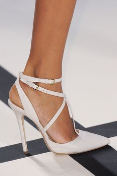 Best inspirations for Elie Saab Spring 2014 shoes, posted on January 2014 in Wedding Shoes High Heel Pumps, Stiletto Heels, Stilettos, Louboutin Nails, Shoe Boots, Shoes Heels, Miu Miu Shoes, Zapatillas Casual, Mode Shoes