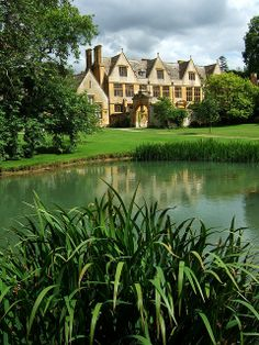 Stanway, Gloucestershire, England ♦cM English Manor Houses, English Castles, English House, England And Scotland, England Uk, Places To Travel, Places To Visit, English Architecture, Country Estate