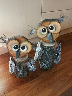 Owl Yard Art from Tree Stumps! Creative ways to add color and joy to a garden, porch, or yard with DIY Yard Art and Garden Ideas! Repurposed ideas for. DIY Yard Art and Garden Ideas Wood Log Crafts, Winter Wood Crafts, Winter Diy, Log Wood Projects, Barn Board Projects, Winter Craft, Pallet Projects, Owl Crafts, Diy And Crafts
