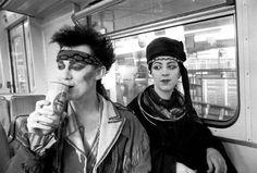 New Romantics on a tube in London, going to a Spandau ballet gig. Moda Punk, London Nightlife, Thompson Twins, Blitz Kids, New Wave Music, Goth Glam, Youth Club, Stranger Things Steve, The Blitz