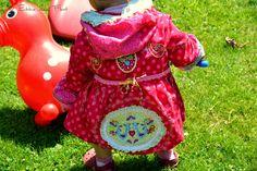 Ballonjacke Karla von farbenmix. Tolles Schnittmuster für einen Ballonmantel der lange mitwäcsht