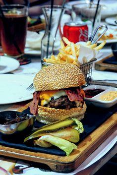 """Western Beef Bacon Burger"", JJ Royal, Jakarta"