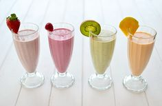 Fresh fruit milk smoothies - Batidos de frutas naturales