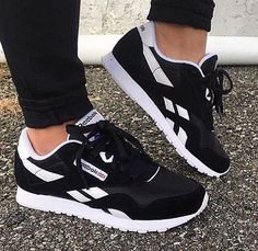 Simple and Ridiculous Tips: Shoes Tenis Sneakers vintage designer shoes.Cute Shoes Platform cute shoes for 10 year olds. Reebook Shoes, New Shoes, Converse Shoes, Cute Shoes, Shoe Boots, Shoes Style, Louboutin Shoes, Platform Shoes, Shoes 2017