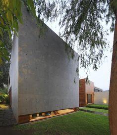 HOUSE H (CASA ACHE) by Jaime Ortiz de Zevallos - Oz arq