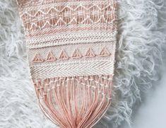 Weave Along | The Weaving Loom