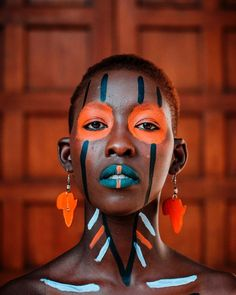 Come with me to Africa African Tribal Makeup, Tribal African, African Tribes, Paint Photography, Face Photography, Photography Women, Africa Nature, Africa Art, Pintura Tribal