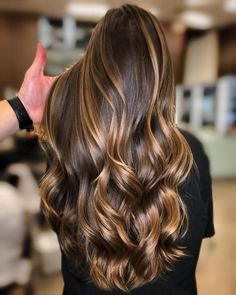 Elegant Caramel Hair Color Style for Long Hair Latest Hair Color Highlights for Long haistyle Hair Color Highlights, Ombre Hair Color, Hair Color Balayage, Cool Hair Color, Hair Colors, Ombre Bayalage, Pastel Ombre, Caramel Hair Highlights, Balayage Brunette