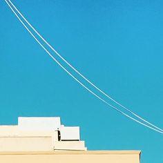 Bow #blue #bluesky #lookingup #sky #minimal #minimalmood #rsa_minimal #architecture #architectureminimal #igersicilia #igersitalia #snapseed