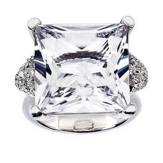Moon Light Collection by Alfieri, Rock Crystal and Diamond Ring, in 18kt White Gold... Rock me baby!!