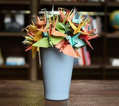 Paper crane bouquet courtesy of Courtney in Fossil Lifestyle. Complete with step by step instructions.