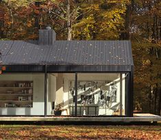 Everyday we share our stories and passions for home design and great architecture. La Shed Architecture, Residential Architecture, Cabin Design, House Design, Sutton House, Modern Barn House, Long House, Rural House, Small Modern Home