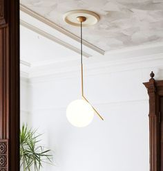 IC Pendant Lamp An elegant design that explores balance and simplicity of materials. Italian Lighting, Modern Lighting, Pendant Lamp, Pendant Lighting, Entryway Stairs, Contemporary Living Room Furniture, Dining Room Table Decor, Reno, Modern Chandelier