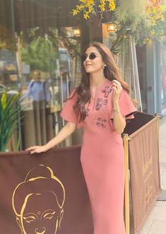 Bollywood Actress Hot, Pakistani Actress, Western Dresses, Western Outfits, Maya Ali, Beautiful Blonde Girl, Celebs, Celebrities, Hottest Photos