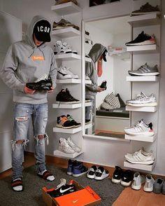Unglaubliche Schuhregal-Ideen Primary shoe storage ideas shelf ikea exclusive on dandjhome Prim re Schuhablage Ideen Regal Ikea exklusiv auf dandjhome Shoe Room, Shoe Wall, Shoe Storage On Wall, Shoe Shelves, Bedroom Setup, Room Ideas Bedroom, Ikea Boys Bedroom, Sneaker Regal, Sneaker Storage