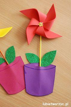 Wiatraczek - kwiatek w doniczce :)  #kwiat   #kwiatek   #wiatrak   #wiatraczek   #zpapieru   #wiatrakwdoniczce   #wiosna   #dekoracja   #dekoracjewiosenne   #DIY   #lubietworzyc   #jakzrobic   #instrukcja   #sposobwykonania   #flower   #windmill   #Holandia   #Holland   #netherlands   #papercraft   #spring   #springdecorations   #howto   #handmade   #instruction