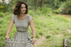 """Charlotte Le Bon character at """"100 foot journey' has the most gorgeous wardrobe & style. Her hair chop is the perfect combination of cute, chique and sexy."""