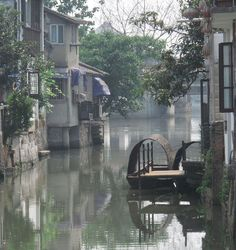 A scene of water-path in Zhujiajiao, an ancient town in the outskirts of Shanghai.