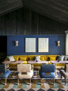 "Pierre Yovanovitch gestaltet das Hotel ""Le Coucou"" in Méribel Pierre Yovanovitch, Hotel Berlin, Best Interior, Interior Design, Recessed Shelves, Diy Home Decor, Room Decor, Rustic Italian, Cute Dorm Rooms"