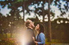 pre-wedding-pre-casamento-campo-sitio-fazenda-chuva-ensaio-diferente-casal-fotografo-de-casamento-brusque (27)