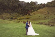 awesome Tennessee Moutain Farm Wedding: Meagan + Harry